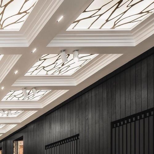 Habillage mural Shou Sugi Ban, brûlé dans nos Ateliers. 🔥 . .CARRÉSOL ÉDITIONS —————————– 29 RUE DU LOUVRE PARIS ——— . Scénographie @JoanaSultan #agencegabeli . 📷 @Cafeine #CarreSol #paris #inspiration #decor #interior #design #interiordesign #designinterior #designer #home #homesweethome #appartement #luxury #architecture #art #wood #woodfloor #designinspiration #style #chic #decoration #furniture #archilovers #flagship #showroom